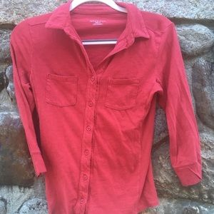 Red collars shirt